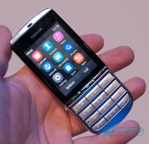 De Nokia Asha 300